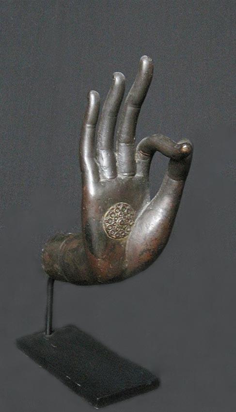 bronze buddha hand thai 18th century. Black Bedroom Furniture Sets. Home Design Ideas